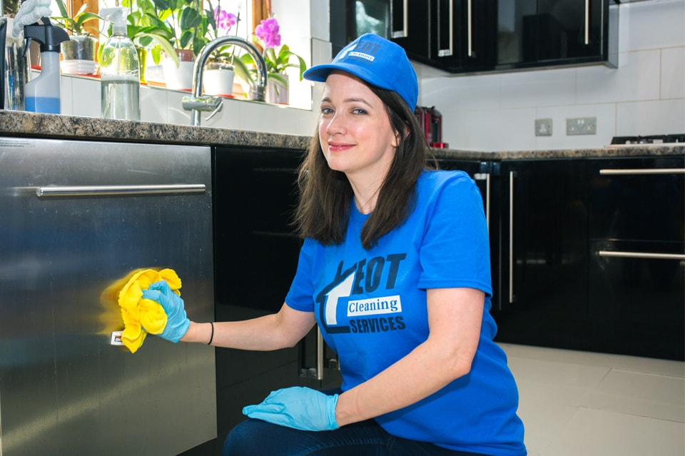 London kitchen cleaning services