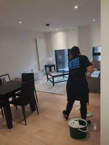 end-of-tenancy-cleaners-working-at-home